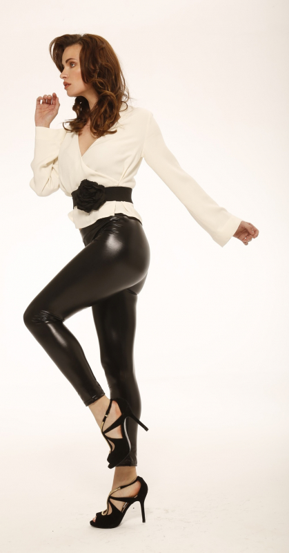 imagen-hot-women-in-shiny-leggings